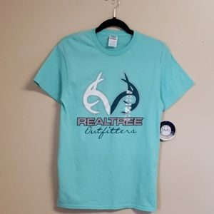 Delta tee size small